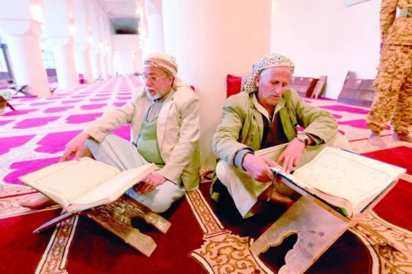 الإرياني يحذر من غزو ثقافي يشنه «ملالي إيران» على اليمن