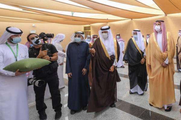 سلطان بن سلمان يفتتح مسجده ويعلن عن انشاء أول وقف بالمدينة المنورة لخدمة مساجد الطرق