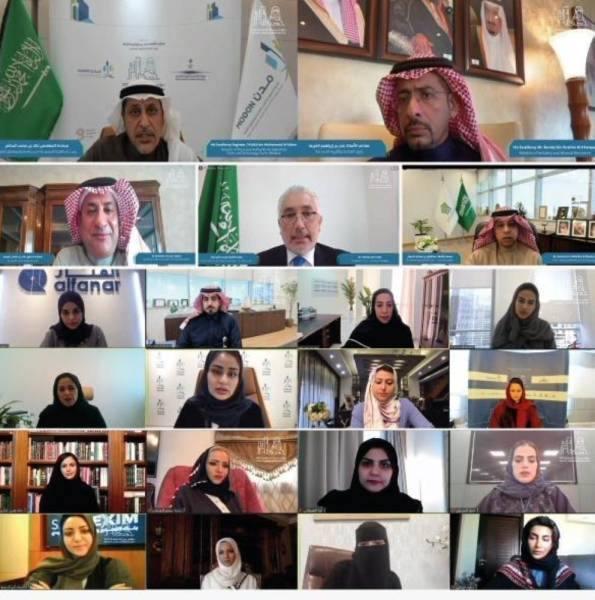 الخريف: المرأة السعودية شريك فاعل ومهم في مسيرة التنمية