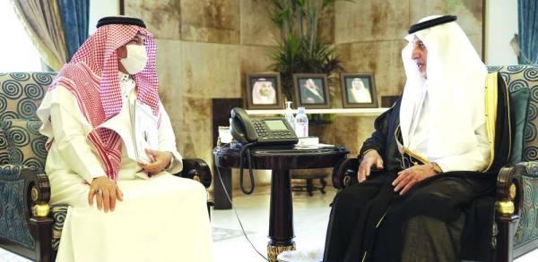 الفيصل مع وزير الحج