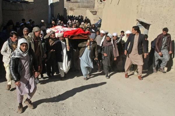 3 تفجيرات في كابول.. ومقتل عنصري شرطة أفغانيين