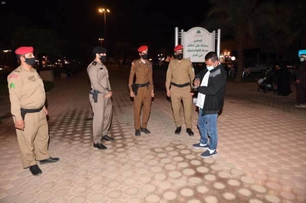 الجهات الأمنية بالمدينة المنورة تتابع ميدانيا تطبيق الإجراءات الاحترازية