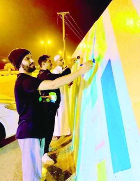 سبعة فنانين شاركوا في عمل الجدارية