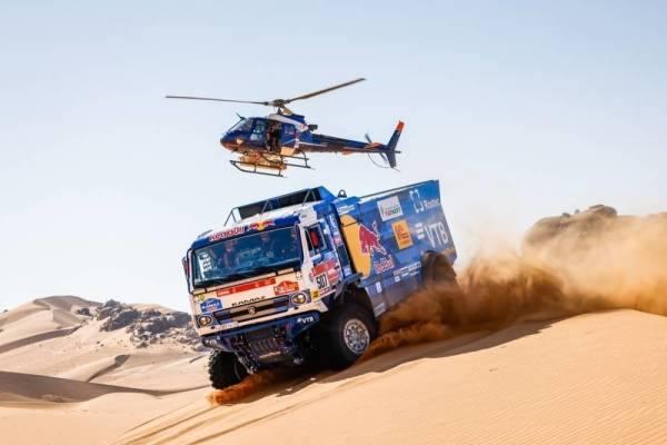 صالح السيف يتصدر فئة المركبات الصحراوية الخفيفة في ثاني مراحل رالي داكار السعودية
