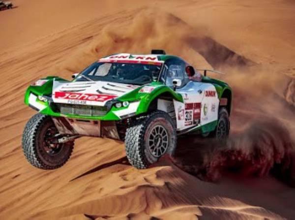 السعودي صالح السيف في صدارة المركبات الصحراوية الخفيفة في ثاني مراحل