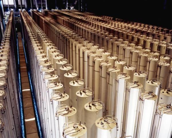 إيران تلوح بمزيد من اليورانيوم المخصب