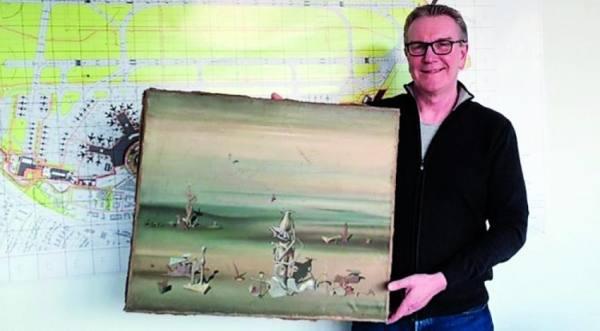 لوحة سريالية بقيمة 300 ألف دولار في حاوية قمامة