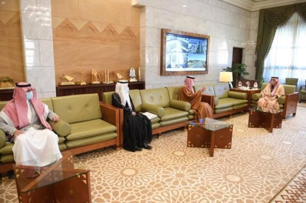 أمير الرياض يستقبل محافظ الهيئة السعودية للمواصفات