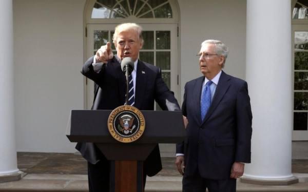زعيم الجمهوريين في مجلس الشيوخ لا يستبعد التصويت على عزل ترامب