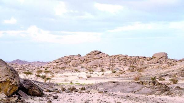 «جبل القمر» في جدة.. تحفة طبيعية في «شتاء السعودية»