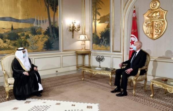 السفير الصقر يقدم أوراق اعتماده للرئيس التونسي