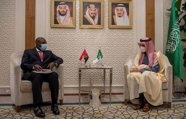 وزير الخارجية يستقبل نظيره من أنغولا