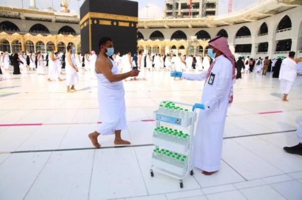 توزيع 8 ملايين لتر زمزم على قاصدي المسجد الحرام