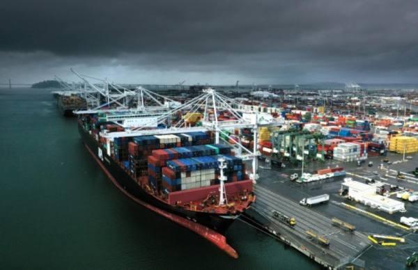 ارتفاع العجز التجاري الأميركي إلى 679 مليار دولار في 2020