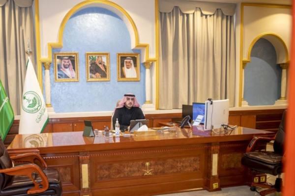 أمير الجوف يؤكد على الوكلاء والمحافظين متابعة تطبيق الإجراءات الاحترازية
