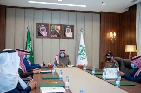 أمير حائل يرأس اجتماع اللجنة العليا لمركز إدارة الأزمات