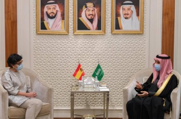 وزير الخارجية  يبحث مع نظيرته الإسبانية تطورات الأوضاع في المنطقة