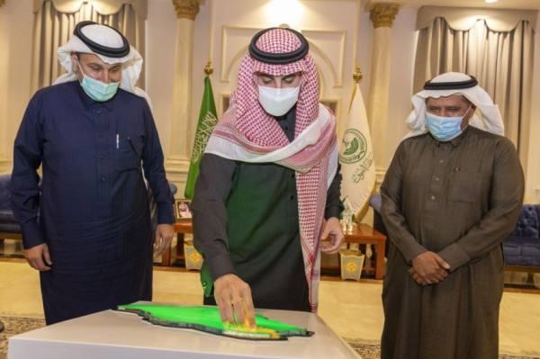 أمير الجوف يدشن مشاريع للطرق بحضور وزير النقل