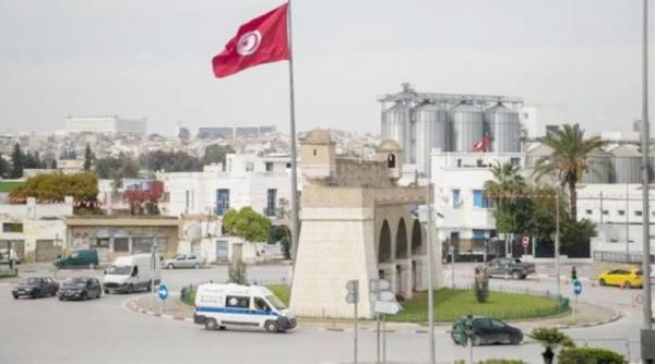 تونس.. النهضة تدعو أنصارها للنزول إلى الشارع دعما للمشيشي