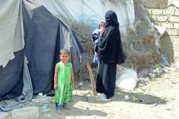 الإرياني: استهداف الحوثي لمخيمات النزوح بمأرب جريمة حرب