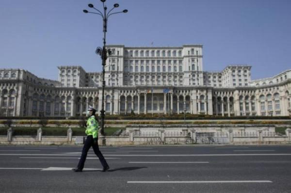 رومانيا تلقح «المشردين».. ووزيرة صحة جديدة في الأرجنتين