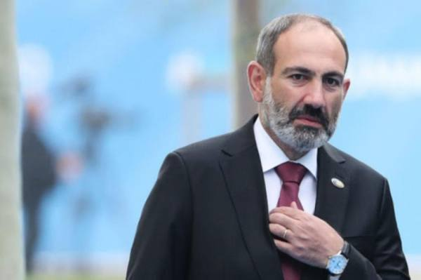 أرمينيا : رئيس الوزراء يقيل رئيس الأركان بعد تدابير الانقلاب