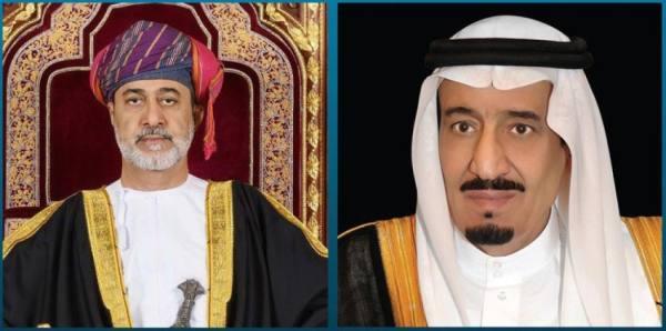 سلطان عمان يهنّئ خادم الحرمين بنجاح العملية التي أجراها ولي العهد