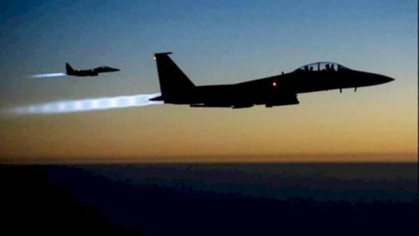 أول قصف أمريكي لفصائل موالية لإيران بشرق سوريا