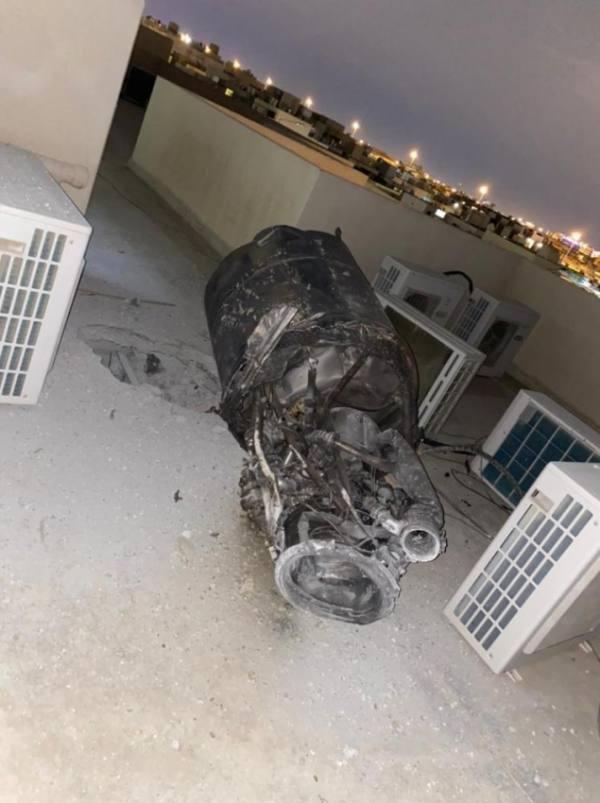 منزل بالرياض يتعرض لآثار شظايا اعتراض صاروخ أطلقه الحوثيين