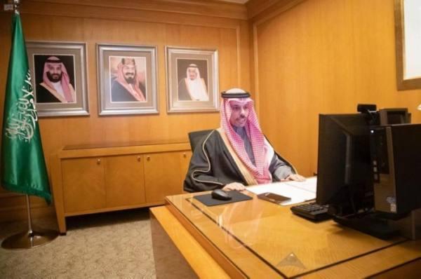 وزير الخارجية يبحث مع نظيره النرويجي التطورات الإقليمية الراهنة