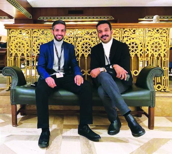 المخرج عبدالعزيز الشلاحي وبطل الفيلم فيصل الدوخي