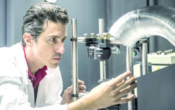 «كاوست»: تعزيز كفاءة الخلايا الشمسية بمادة تمتص الضوء العالي