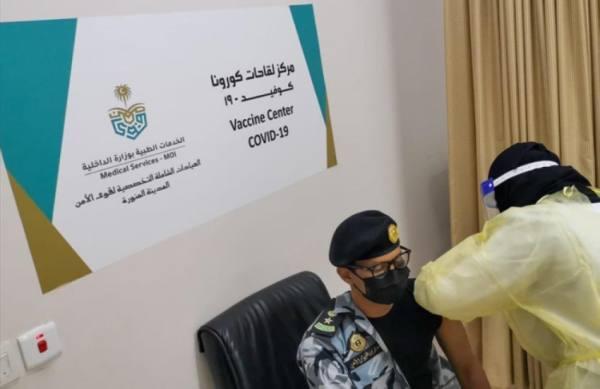 حملة لتطعيم منسوبي الخدمات الطبية بالداخلية