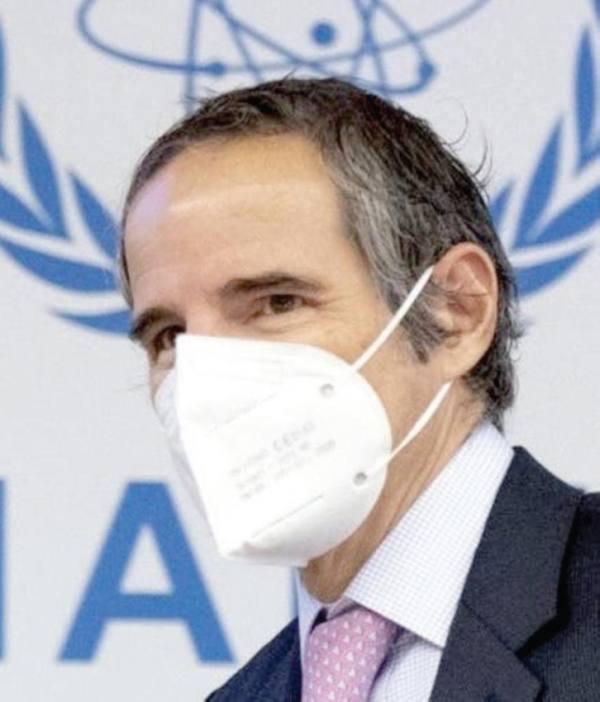 إيران توافق على توضيح «مسائل عالقة » حول «النووي»