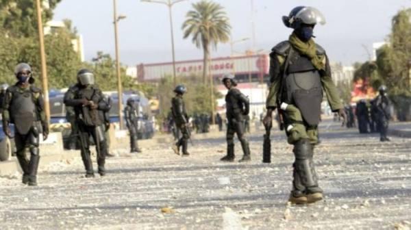 السنغال.. أعمال شغب في دكار مع تمديد توقيف