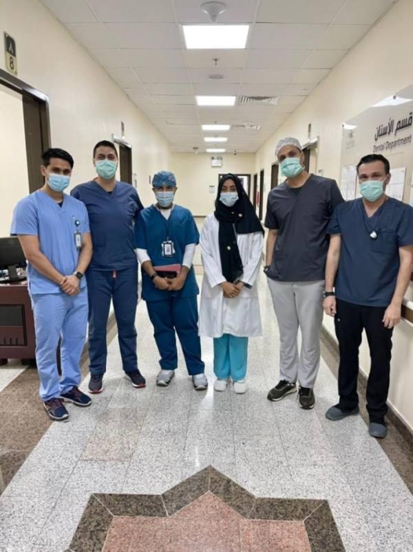 مكة : مستشفى الملك فيصل ينجح في زراعة فك لاربعينية