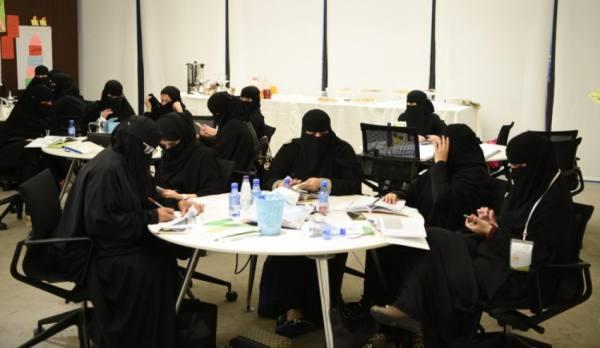 مركز الحوار الوطني.. منبر يروي قصة عطاء المرأة السعودية في خدمة مجتمعها