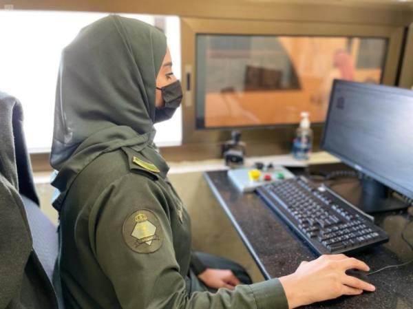 وزارة الداخلية تستعرض إسهامات المرأة في مختلف قطاعاتها