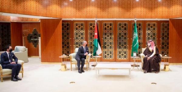 ولي العهد وملك الأردن يستعرضان القضايا العربية والإقليمية
