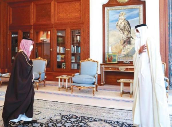 أمير قطر وابن فرحان يستعرضان مستجدات الأحداث
