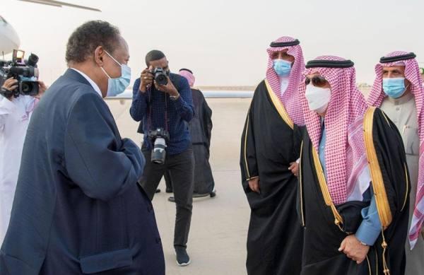حمدوك يصل إلى الرياض