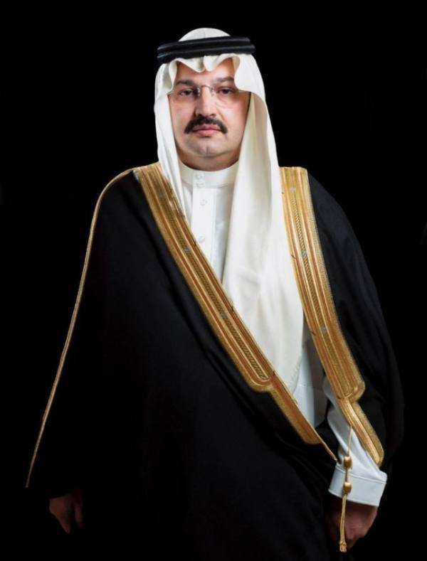 أمير عسير يحث المواطنين والمقيمين على التسجيل في