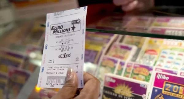 فتاة تخسر 250 مليون يورو بسبب خطأ بسيط