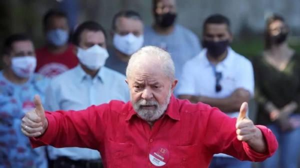 المحكمة العليا تصدر حكمها بشأن تبرئة رئيس البرازيل السابق من الفساد في جلسة عامة