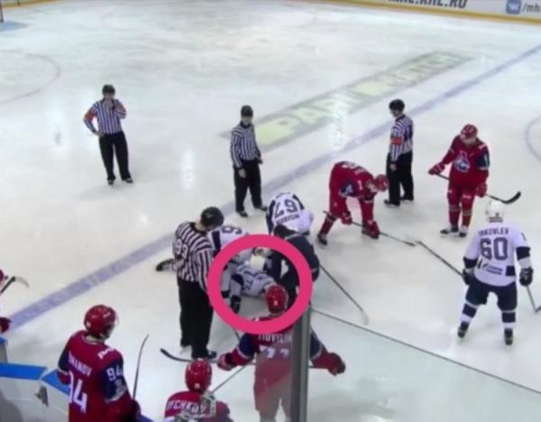 قرص هوكي يقتل لاعب روسي