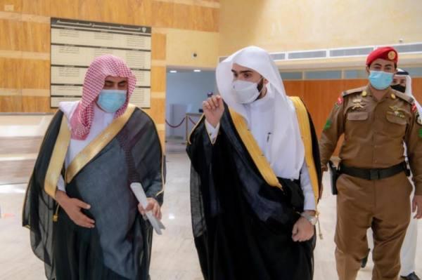 رئيس ديوان المظالم يستقبل رئيس المحكمة الإدارية السابق