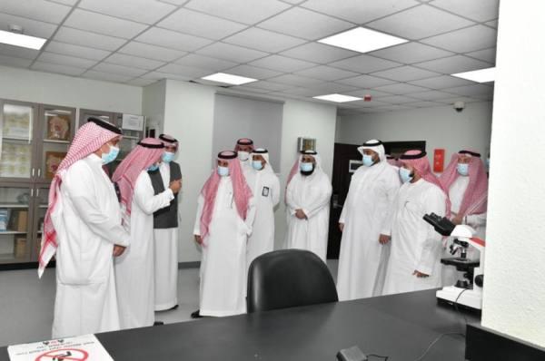رئيس جامعة أم القرى يزور كليات الفروع في القنفذة والليث وأضم