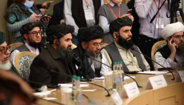 الوسطاء الدوليون يدعون طالبان إلى التخلي عن