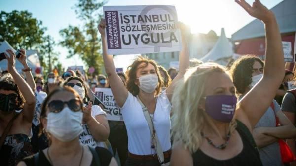 تركيا.. غضب بعد الانسحاب من مكافحة العنف ضد المرأة