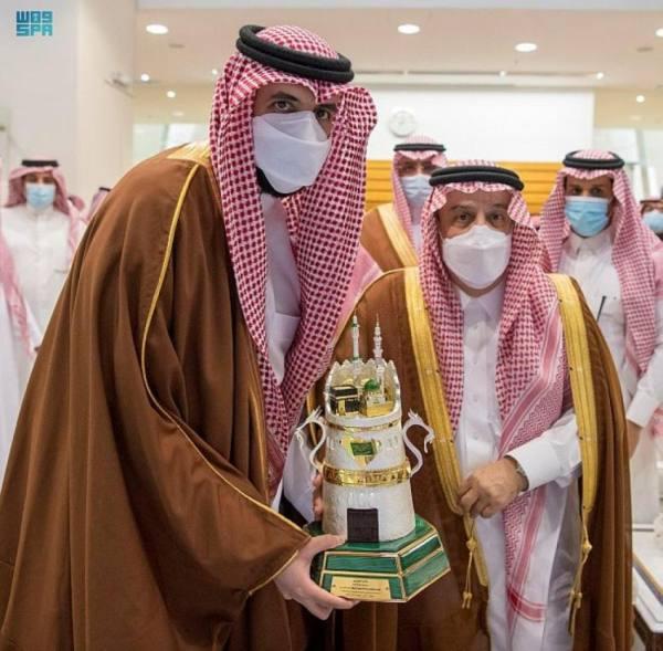 أمير الرياض يتوج اسطبل سعود بن سلمان بـ